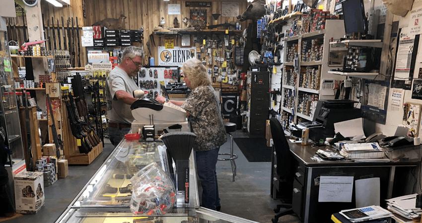 Gary's Guns - Retail Counter